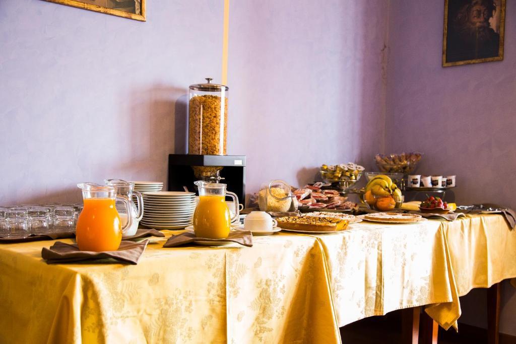 Buffet-Colazione-Coccinella-Lavello